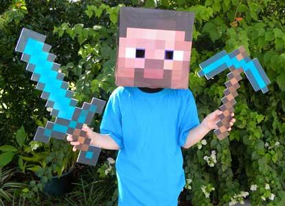 Minecraft Diamond Sword and Diamond Pickaxe