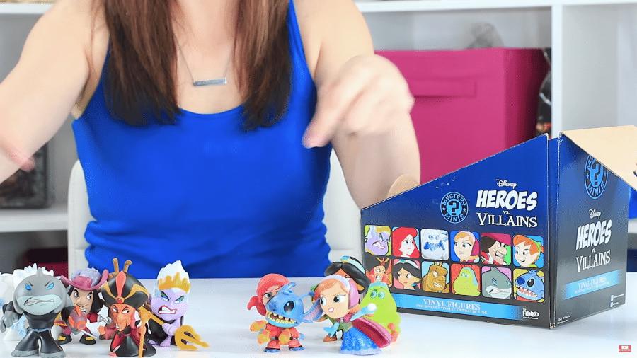 Disney Heroes Villians Mystery Minis Review