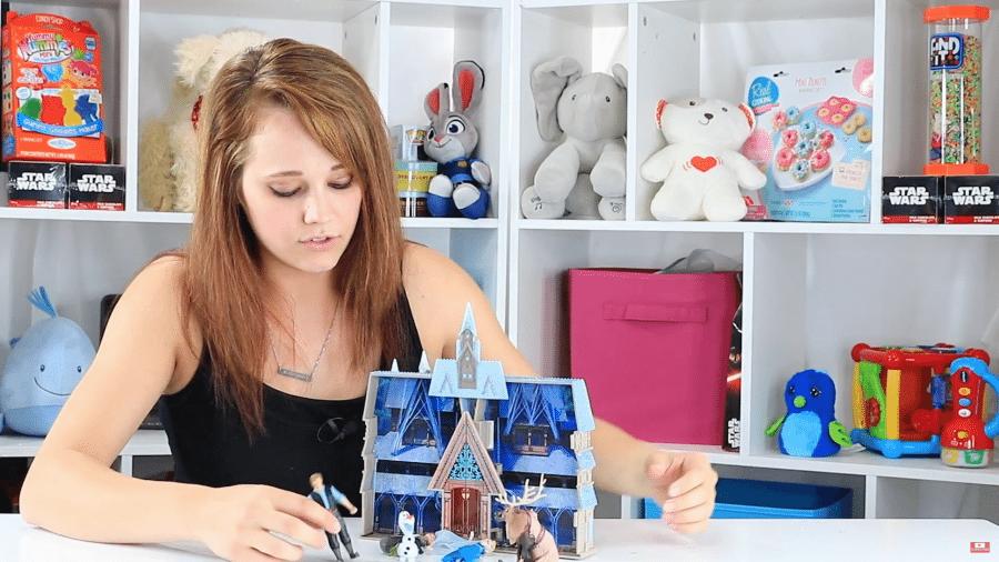 Frozen Castle Playset Review