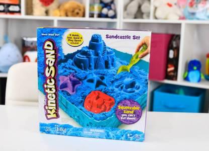 Kinetic Sand Sandbox and Molds