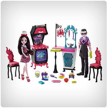 Monster High Monster Family Vampire Kitchen Playset & Dolls