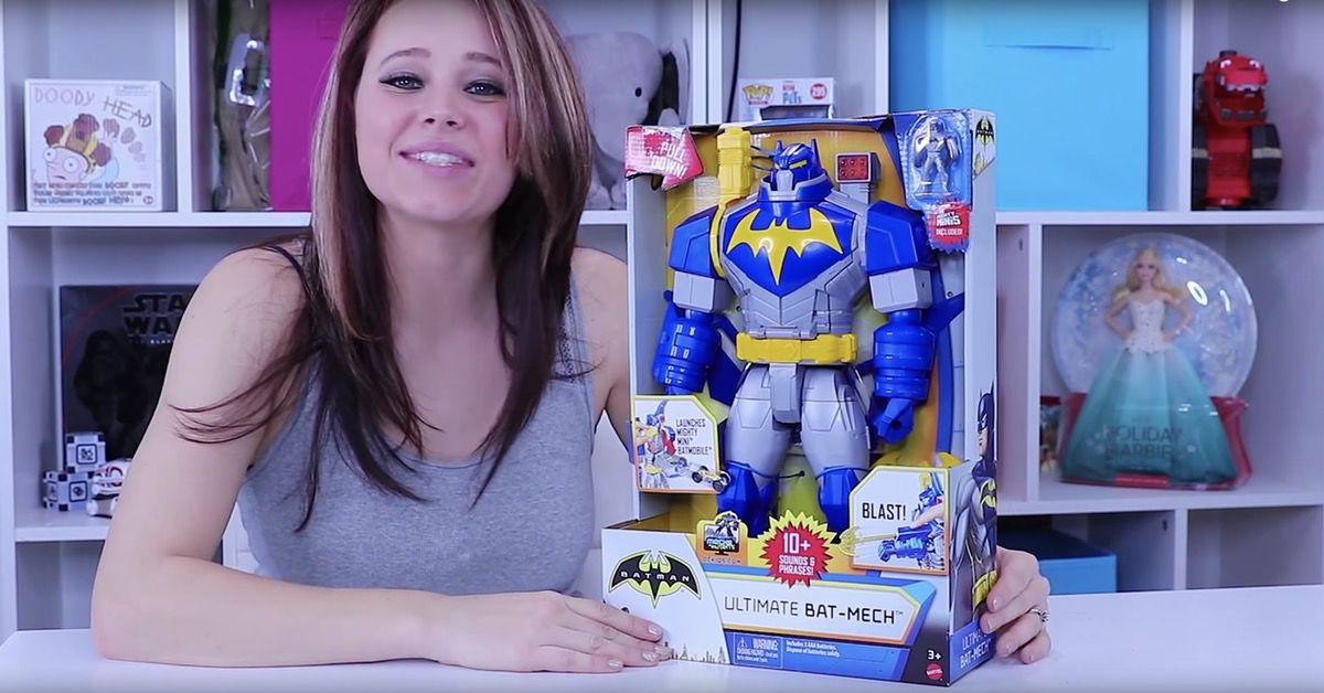 Batman Unlimited Ultimate Bat Mech Figure